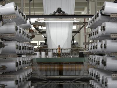 静電気対策(タイプC)フレコンバッグ原反織布工程の様子